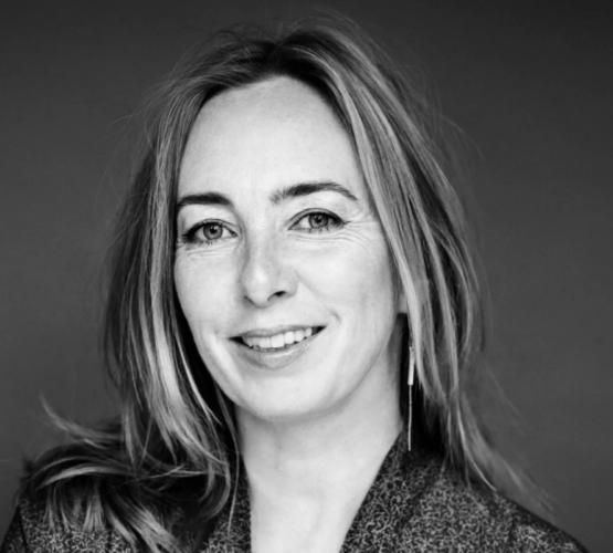 """""""Jeg måtte kasserere et helt manuskript to gange!"""" Forfatter Karen Strandbygaard om skriveprocessen"""