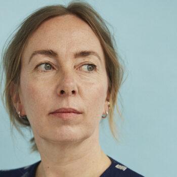 """""""Dialoger gør karakterne levende på siden!"""" Karen Strandbygaard deler sine erfaringer i Forfatterhjørnet"""